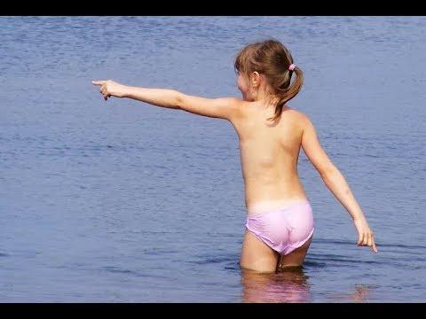 10-летние девочки без купальника. Норма или перебор