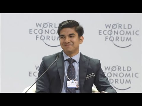 Show-stealer Syed Saddiq enlightens the young crowd at opening of WEF in Hanoi