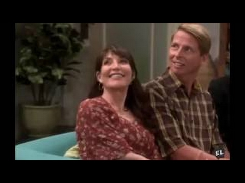 The Big Bang Theory - 10x01 - Penny's Family Meets Leonard's Mom