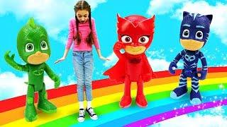 Герои в масках - Ромео рисует радугу! Видео для детей