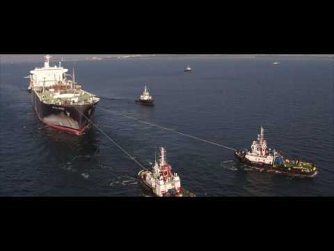 Arctic Spirit Towage into Singapore | Marina Offshore Group