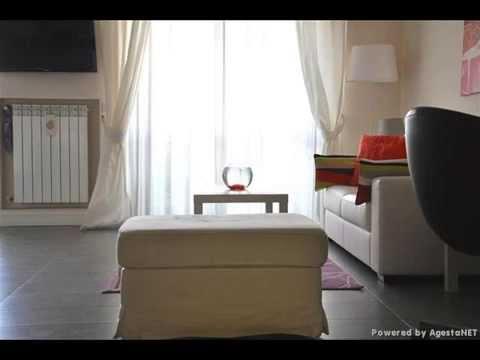 Bellissimo appartamento elegantemente arredate e dotato di for Foto di case arredate
