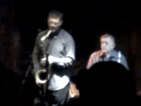 Larry Mckenna And Eric Alexander - Blues