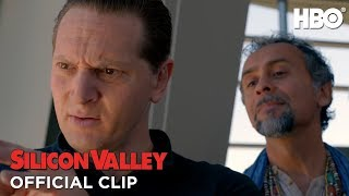 Repeat youtube video Silicon Valley Season 1: Episode #1 Clip - Programmers (HBO)
