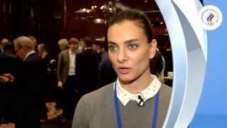 """Елена Исинбаева: """"Тренер доволен, говорит, что сейчас я прыгаю лучше, чем 7-8 лет назад"""""""