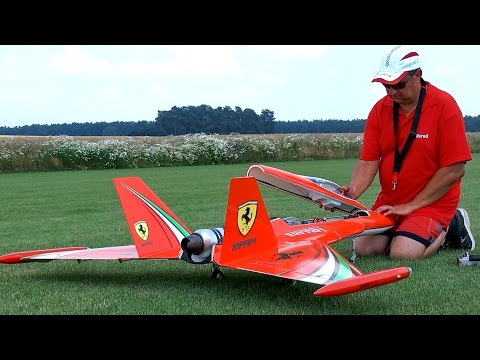 400 KMH WILD HORNET RC TURBINE JET / RBB INTERVIEW, FLIGHT AND HARD LANDING / Rehfelde Germany 2016