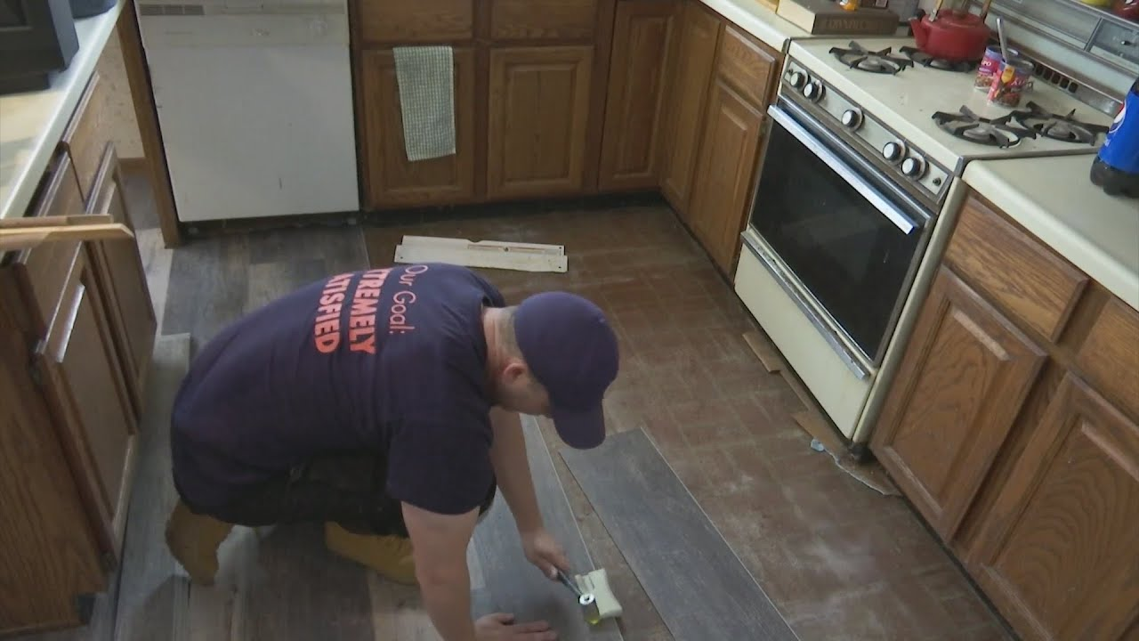 Home Depot Employees Fix Up Homes For Rockford Area Veterans