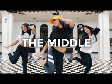 Cover Lagu The Middle - Zedd, Maren Morris, Grey (Dance Video) | @besperon Choreography STAFABAND