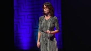 A insustentável leveza do ter   Daniela Reis   TEDxUDESCJoinville