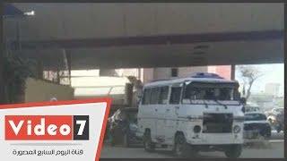 سيارات ميكروباص بدون لوحات معدنية تهدد الأمن العام