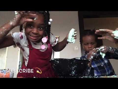 Making dishwashing liquid slime !!!( VERY MESSY 😨)