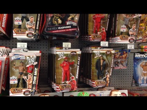 WWE ACTION INSIDER: Toysrus XMAS MOTHERLOAD Store Aisle Figure Shelf Review