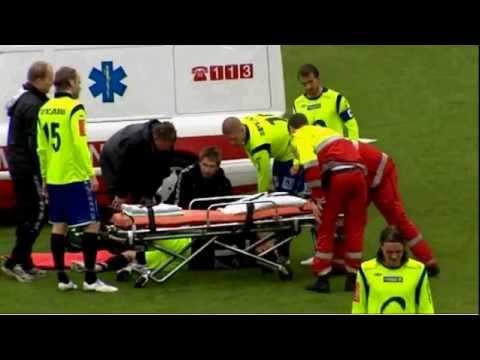 OMG! Norwegian Keeper breaks leg