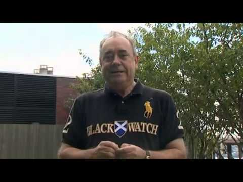 Alex Salmond and Alistair Darling say yes to ice bucket challenge - video