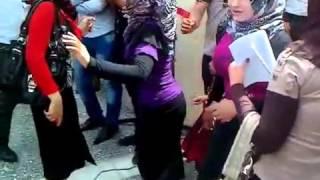 رقص بنات الجامعه youtube.2013 اشترك في قناتي وسوف يصلك...