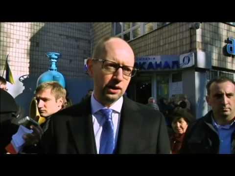 Ukraine Politicians Vote: PM Yatsenyuk and Kyiv Mayor Klitschko cast their ballots
