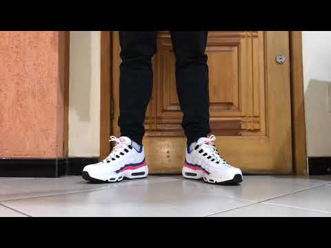 nike-air-max-95-essential-ultramarine-on-feet