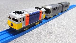 2000年に発売された、JR東日本 EF81カシオペア色+E26系客車の寝台特急「...