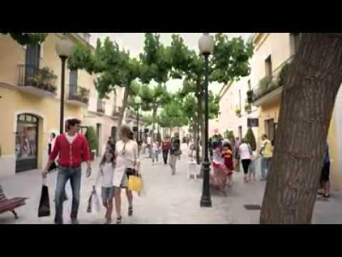 Chic outlet shopping la roca village youtube for Outlet la roca horario