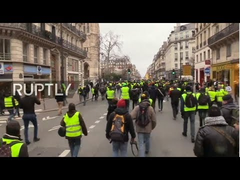 "LIVE: IX Yellow vest protest against Macron's policies ""Paris is ours�"