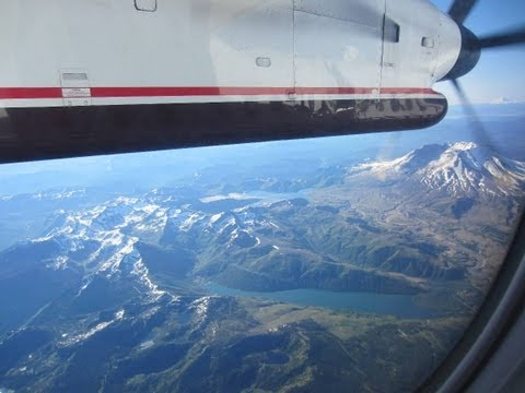 Hoirzon Air Seattle to Portland Dash 8 Q400 AMAZING Views of Mountains, City and Area