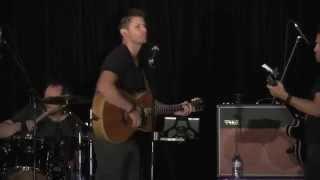 Jensen Ackles sings Lynyrd Skynyrd