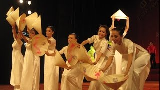 Vietnamese Traditional Dance in Paris