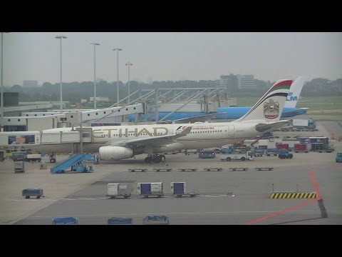 AIRPLANE SPOTTING AMSTERDAM SCHIPHOL 22-9-2013 + SCHIPHOL BEHIND THE SCENES TOUR