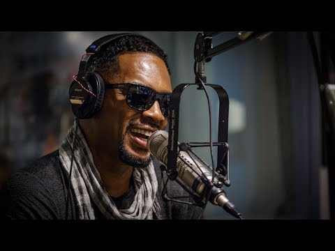 Bill Bellamy talks Kathy Griffin controversy, MTV Beach House in the 90s & more on the Rizz Show