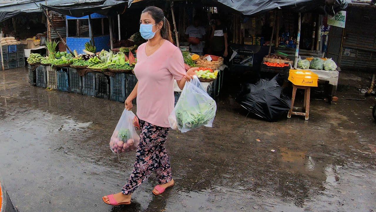 Feeling Like Darjeeling || Sokale Bazaar Korte Giye Namlo Brishti #banglavlog