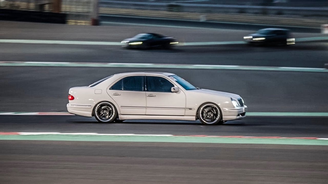 mercedes benz e55 amg w210 dubai autodrome session youtube. Black Bedroom Furniture Sets. Home Design Ideas