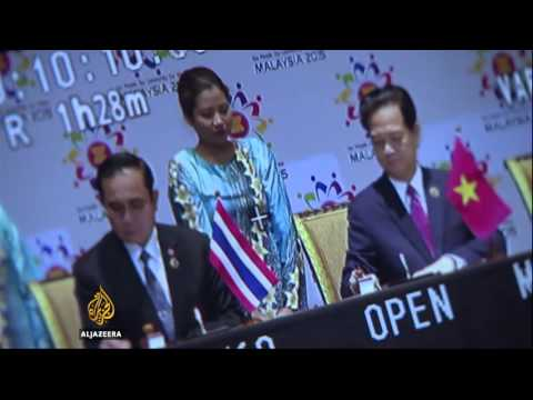 ASEAN leaders seek economic integration