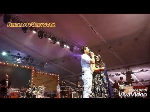 Sonu Nigam singing a song in Ladies tone at Bhubaneswar