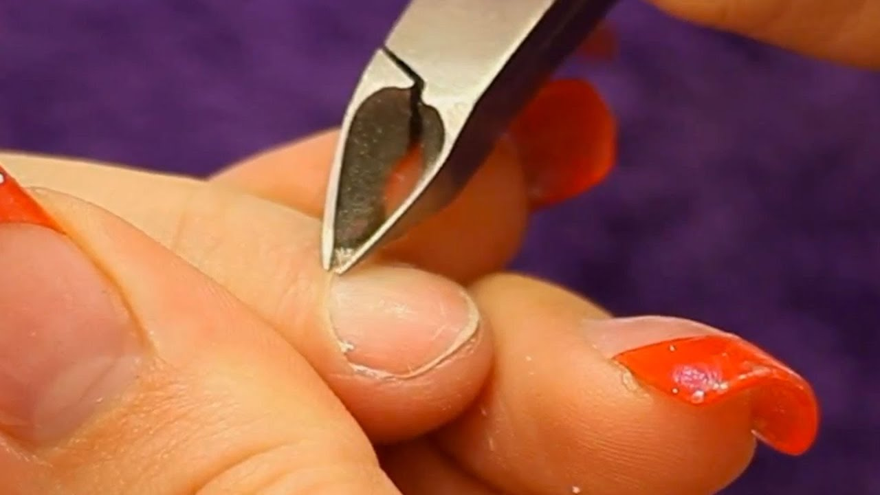 How to use a Cuticle Nipper Tutorial Video by Naio Nails - YouTube