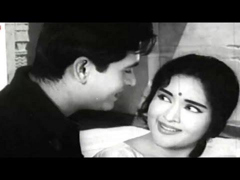 Dil Beqarar Sa Hai - Joy Mukherjee, Vaijayanti Mala, Ishara Song