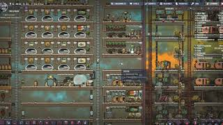 [HUN] Merry Abode 33 (Fire Poles and Showers) (QOL MKI) - Oxygen not Included