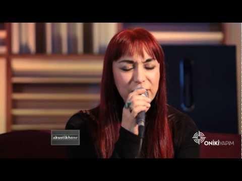 Leman Sam - İlla / #akustikhane #sesiniac