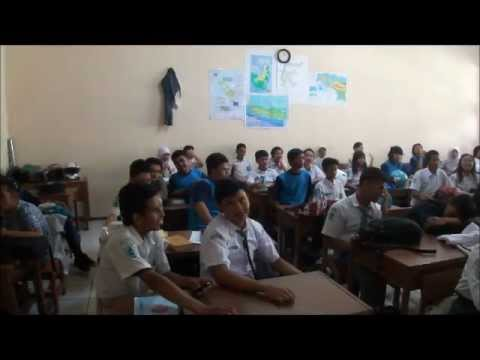 バンドン Visit Japanese Classes at A High School in Bandung ~高校の日本語クラス~ by KMG