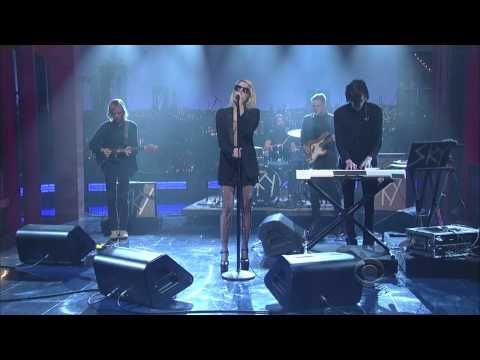 Sky Ferreira - You're Not the One on Letterman 11.25.13 (1080p)