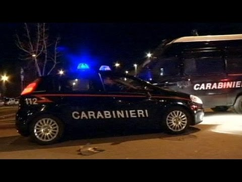 Italy police arrest 160 alleged mafia members in dawn raids