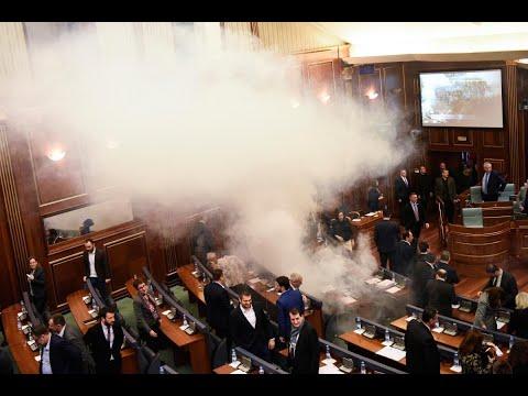 المعارضة في كوسوفو تهاجم البرلمان  - نشر قبل 1 ساعة