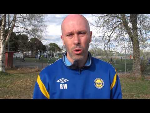Dagens kampleder, Ronald Wenaas, snakker etter 3-2 hjemme mot Levanger.