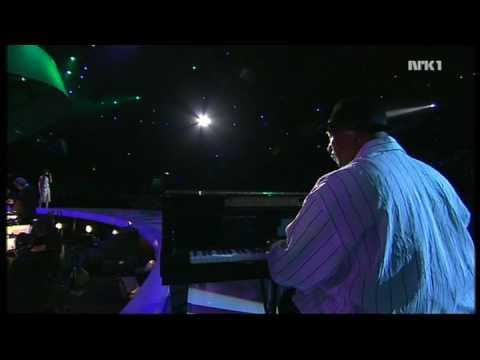 Rihanna   SOS & Unfaithfull Live Nobel Peace Prize Concert 2006