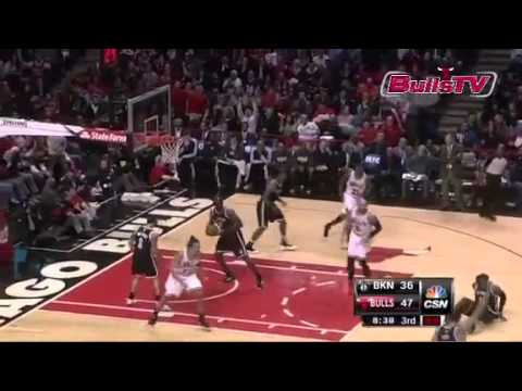 Chicago Bulls Luol Deng Crossover on Gerald Wallace