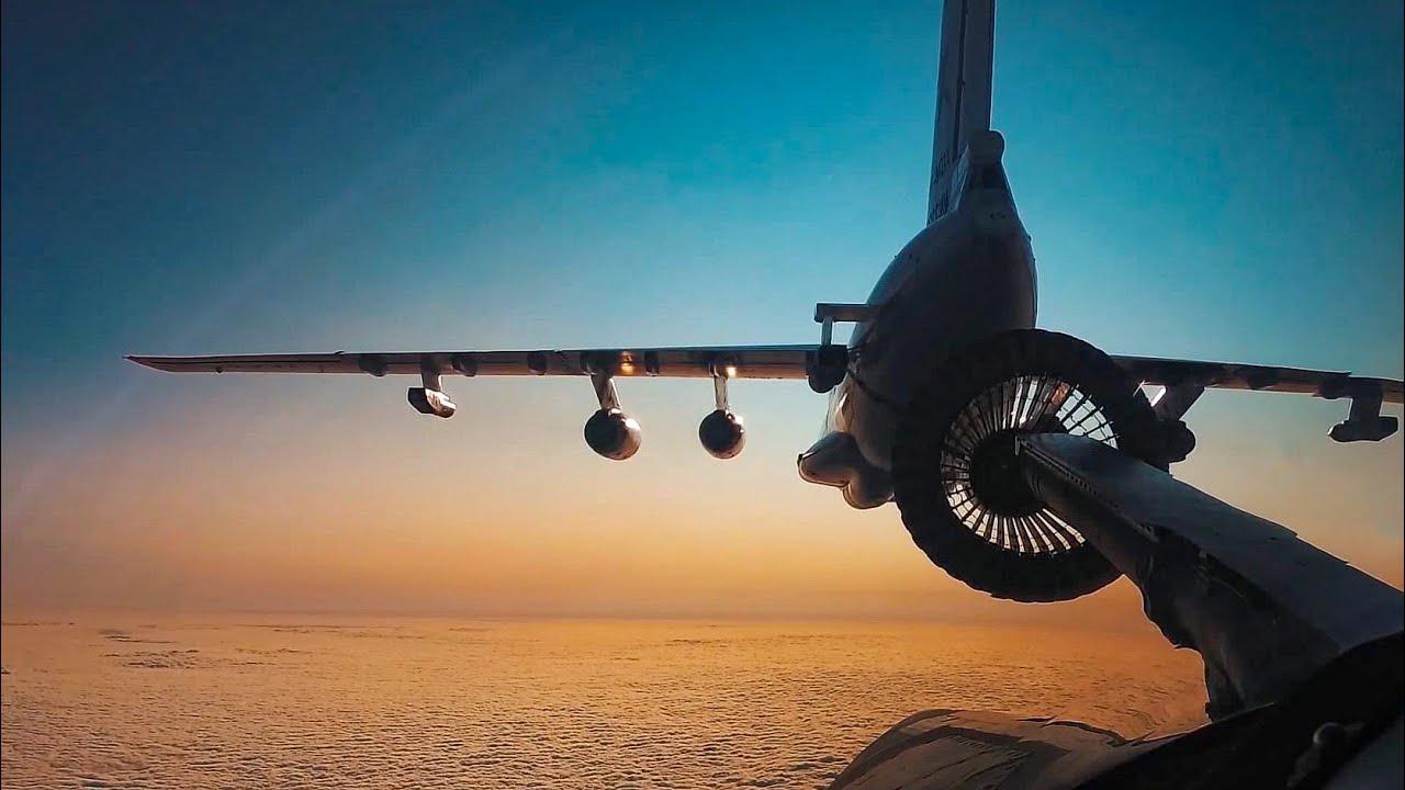Дневная и ночная воздушная дозаправка стратегических ракетоносцев Ту-160
