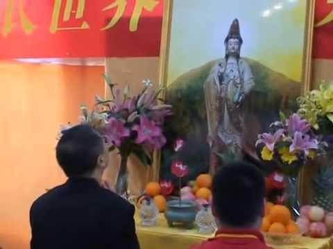 卢台长 心灵法门磕头的讲究 香港法会台长上香