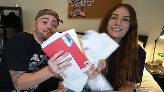 SUPER INTENSE FAN MAIL OPENING!! *wow*