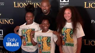 Jamie Foxx poses with daughter on 'Lion King' red carpet