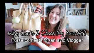 What's in the Purse of an Avid Youtuber? Why can't it close? | Kelsey_tube