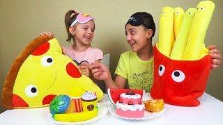Челлендж СКВИШИ против НАСТОЯЩЕЙ ЕДЫ Challenge 2018 REAL FOOD vs squishy toys